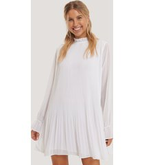 na-kd mini pleated dress - white