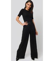 na-kd plisse wide leg pants - black