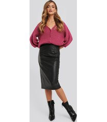 na-kd trend faux leather midi skirt - black