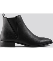 na-kd shoes low pointy chelsea boots - black