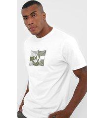 camiseta volcom cradeled branca - branco - masculino - dafiti