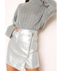 falda de cintura alta con cremallera plateada