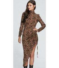 sukienka z drapowaniem