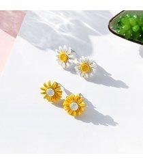 orecchini carini orecchini a forma di fiore margherita dolce orecchini di moda giallo bianco per le donne