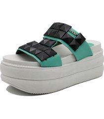 sandalia de cuero verde leblu plataforma