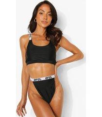 woman korte bikini top
