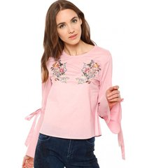 blusa con amarras y bordado rosado 7.5 setepontocinco