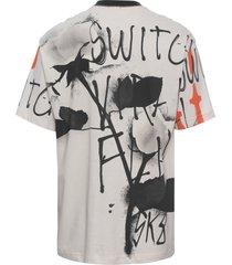 t-shirt masculina maxi over lenço sk8 - off white