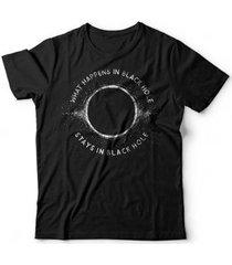 camiseta buraco negro - unissex