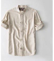 camicia di lino con maniche a tre quarti con bottoni cinesi a maniche lunghe color tabacco da uomo