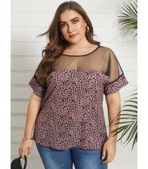 camiseta de patchwork de malla de manga corta con cuello redondo y leopardo de talla grande