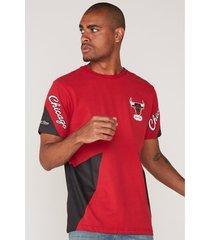 camiseta mitchell & ness estampada chicago bulls vermelha