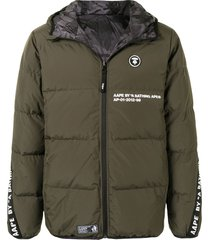aape by *a bathing ape® reversible hooded padded jacket - green