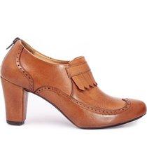zapatos de tacon con copete de flecos oxford