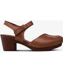 sandalett i mjukt läder