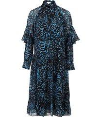 dress daima