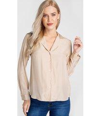 blusa de manga larga con botones delanteros y cuello de muesca camel