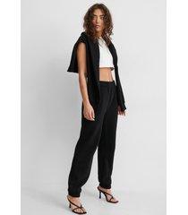 jasmin azizam x na-kd sweatpants - black
