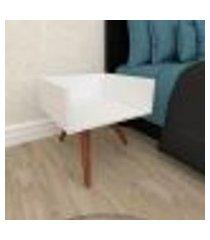 mesa de cabeceira minimalista em mdf branco com 3 pés inclinados em madeira maciça cor mogno