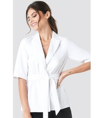 paola maria x na-kd short sleeve tied blazer - white