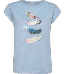 t-shirt w. feather print t-shirts & tops short-sleeved blå coster copenhagen