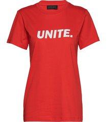 unite-tee t-shirts & tops short-sleeved röd storm & marie
