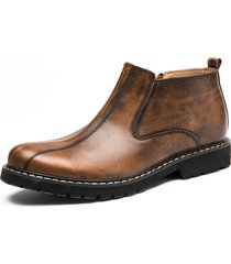 stivali alla caviglia alla moda degli uomini in chiusura laterale alla moda con chiusura laterale