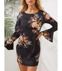 mini mangas largas impresas florales al azar negras mini vestido
