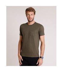camiseta masculina básica com bolso manga curta gola careca verde militar 1