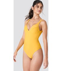 j&k swim x na-kd deep back cup swimsuit - yellow
