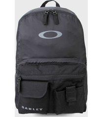 morral  negro oakley packable backpack 2.0