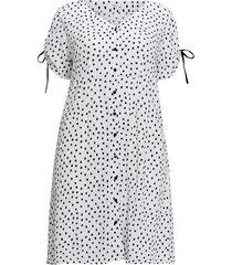 rak, prickig klänning i midilängd med knäppning