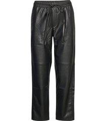 apple leather leggings/byxor svart mango