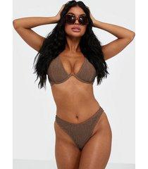 missguided crinkle boomerang bikini bottom trosa