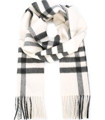 burberry the classic cashmere scarf in check - neutrals