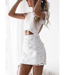 minivestido de dos piezas de dos piezas con espalda cruzada y cintura de encaje floral blanco vestido