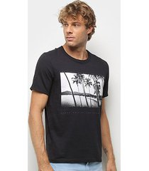 camiseta hering estampada masculina - masculino