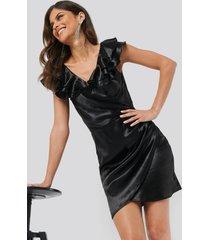 chloé b x na-kd flounce detail short dress - black