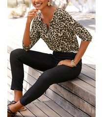 diseño de leopardo con cremallera cuello redondo media manga camiseta