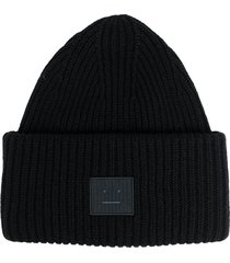 acne studios face patch ribbed beanie - black