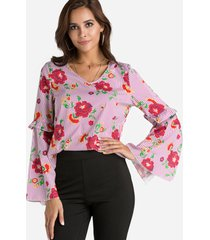 blusa con mangas acampanadas con cuello en v y estampado floral al azar con aberturas rojas