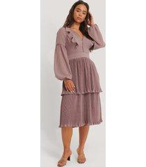 manon tilstra x na-kd plisserad klänning - purple