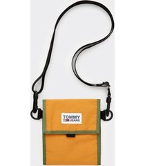 tommy hilfiger men's travel wallet pouch inca gold -