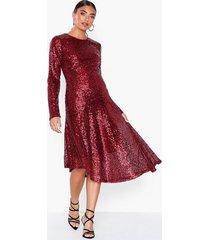 nly eve assymetric sequin dress paljettklänningar