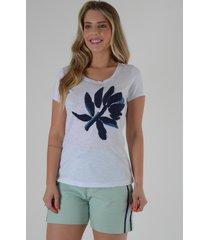 blusa mamorena t-shirt com bordado bicolor multicolorido - kanui