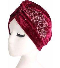cappello a elastico per donna casual in pleuche con cappuccio in diamanti