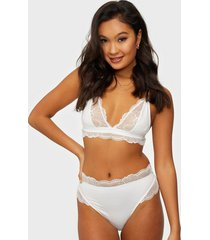 nly lingerie perfect soft lace panty string