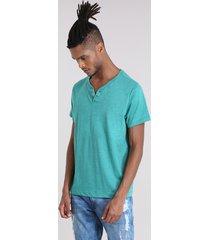 camiseta básica verde escuro