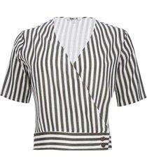 blusa con botones en costado color verde, talla 10
