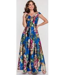 niebieska sukienka wieczorowa w duże kwiaty